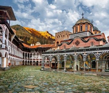 """Рилски """"чудеса"""", Мелнишко вино и магията на Рупите с тръгване от Варна, Добрич, Шумен, Велико Търново"""