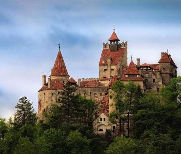 Букурещ - Бран - Брашов - Ръшнов - замъка Пелеш - Синая и Парламента от Добрич, Варна, Шумен, Русе